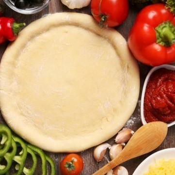 عجينة البيتزا بالزبادي