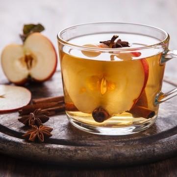 الشاي بنكهة التفّاح والقرفة