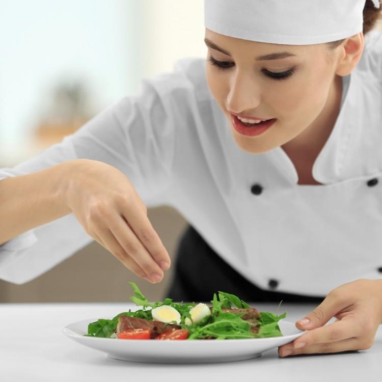 طرق التخلص من الملح الزائد في الطعام