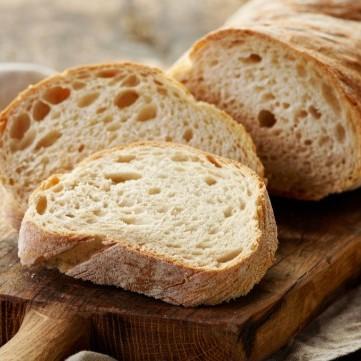 كيف تستعيدين طراوة الخبز القاسي